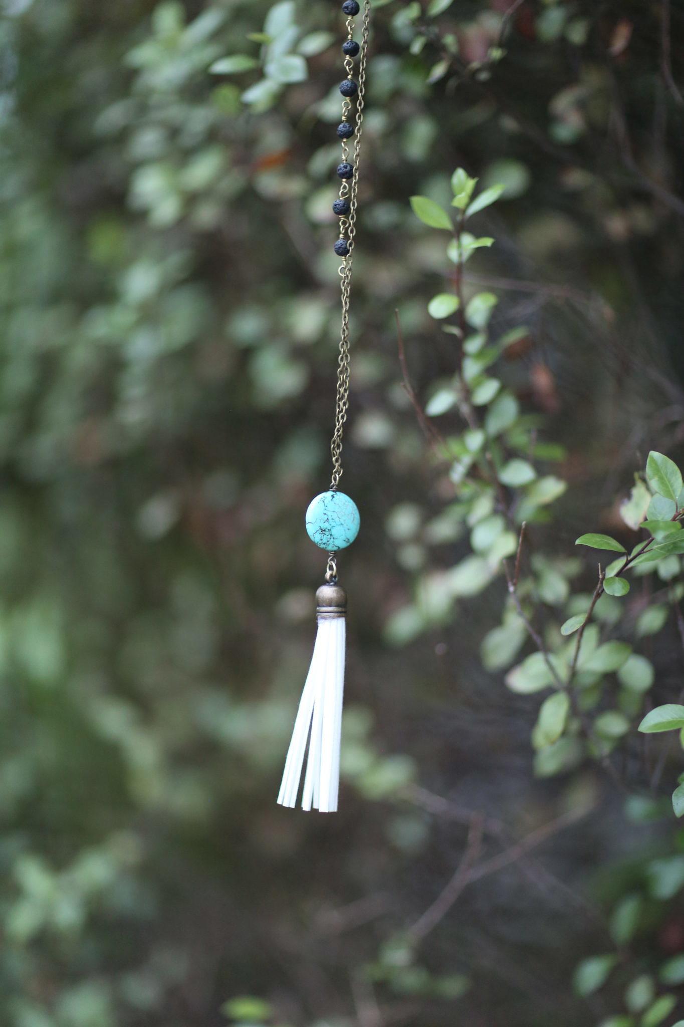 debbie-savage-lavha-envision-necklace-giveaway-5