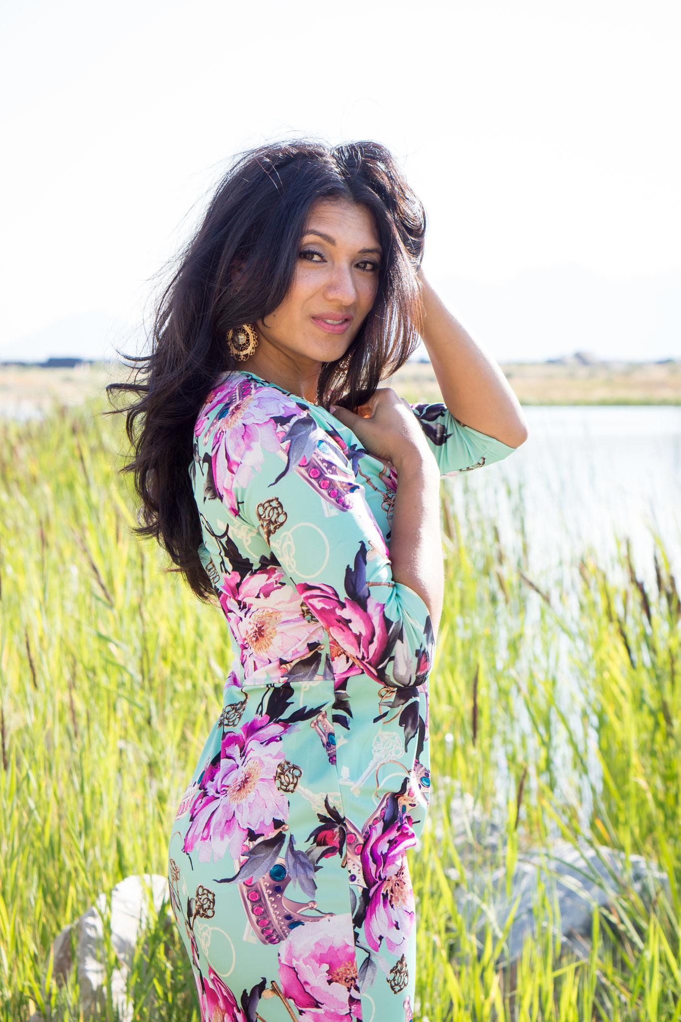 debbie-savage-big-floral-print-dress-2