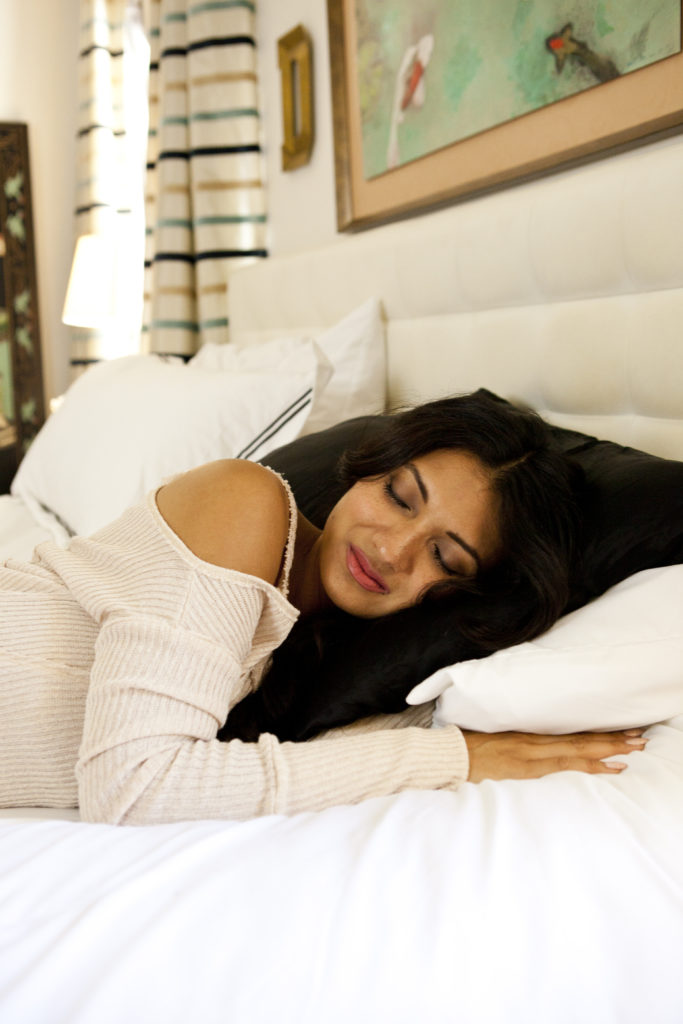 Sleeping on a Silk Pillowcase Comes with Beauty Benefits