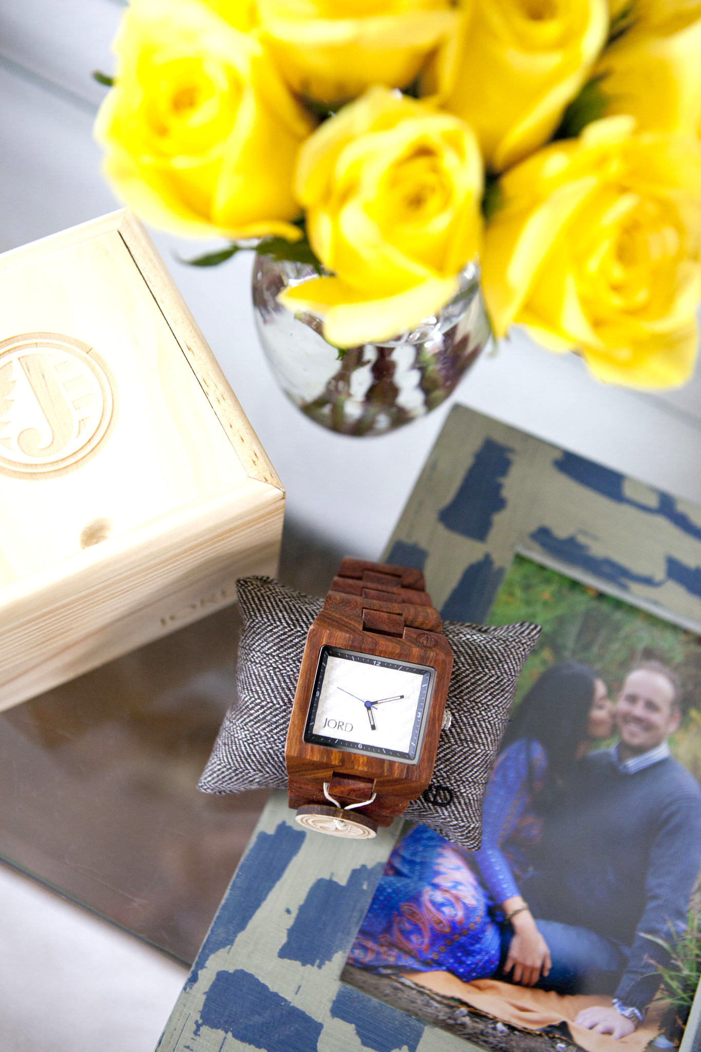 ToThineOwnStyleBeTrue Jord Watch Delmar Series Zebra Wood and White Carbon