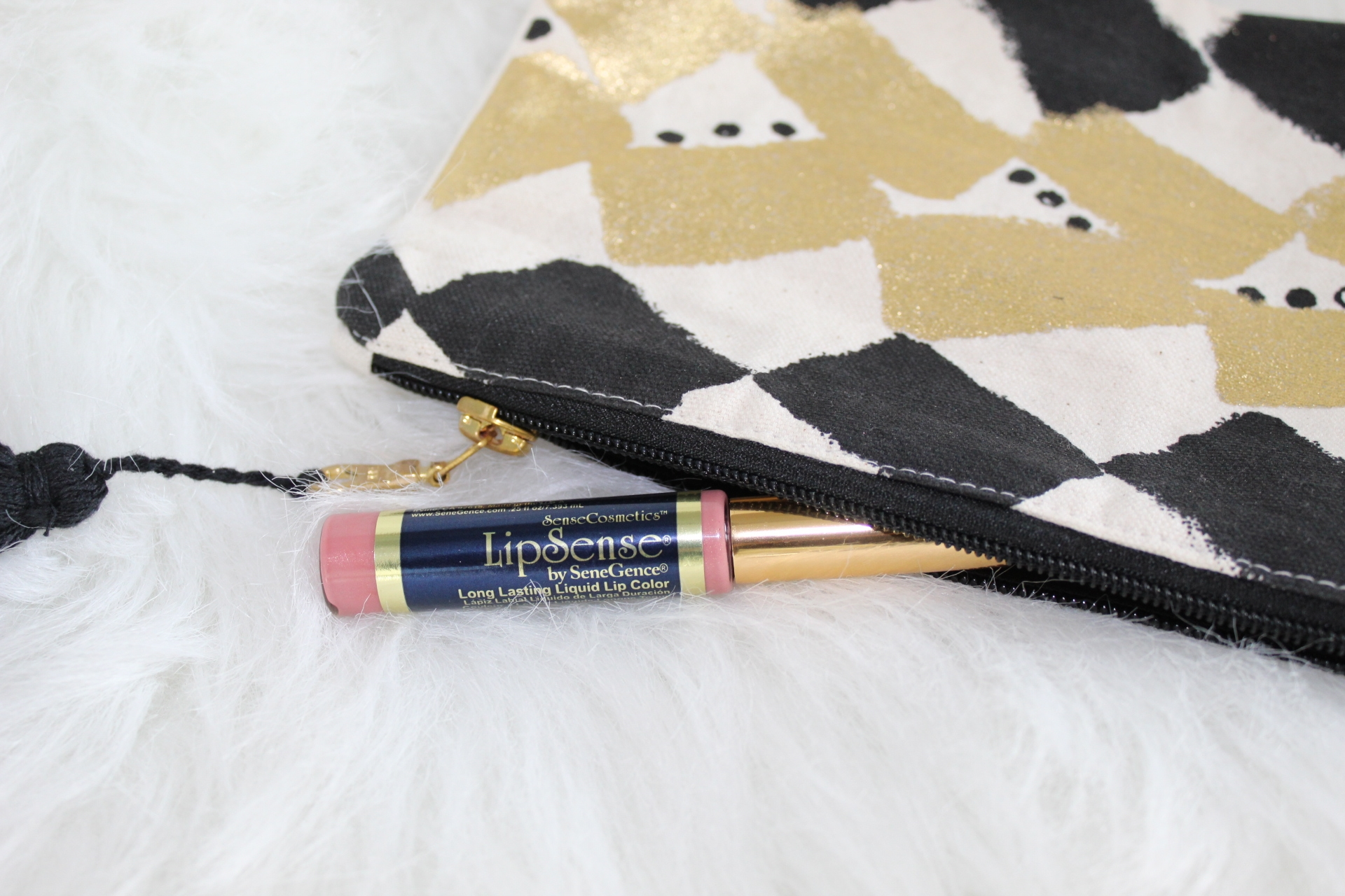 To Thine Own Style Be True | Debbie Savage | LipSense | The Best Kiss Proof Lipstick for Valentine's Day