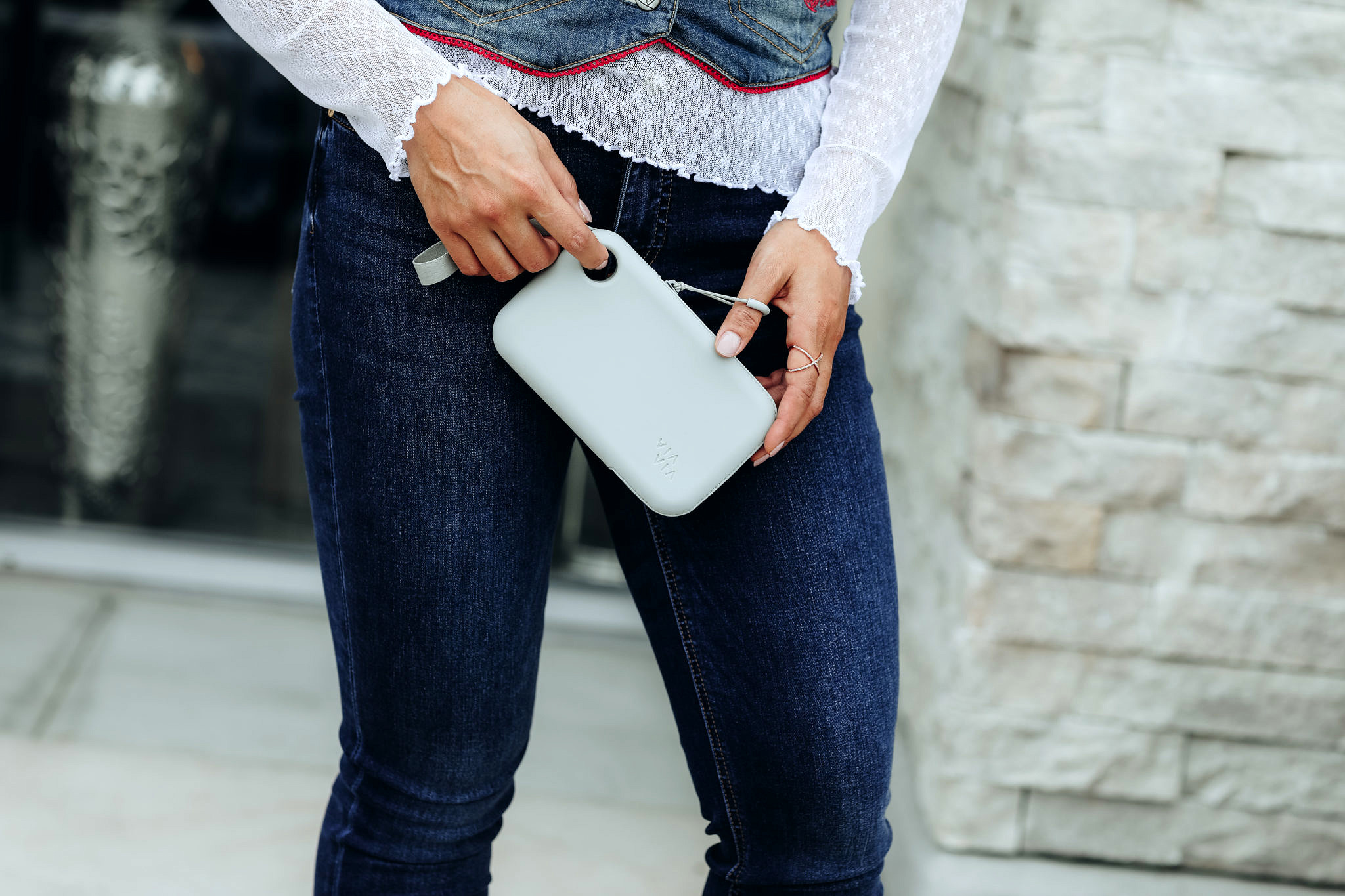 Traveling soon? Orange County Blogger Debbie Savage is sharing her top travel pouch essentials and why you need to try a ViaVia Travel Pouch ASAP!