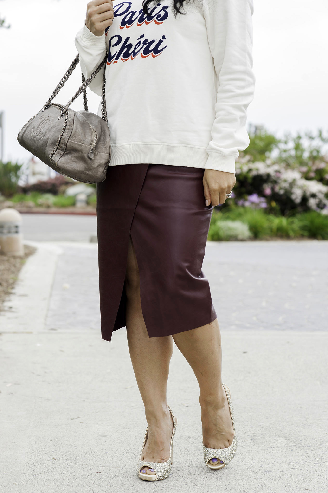 Want to channel your inner French women? Curious how to dress with Parisian effortless elegance? Click here!