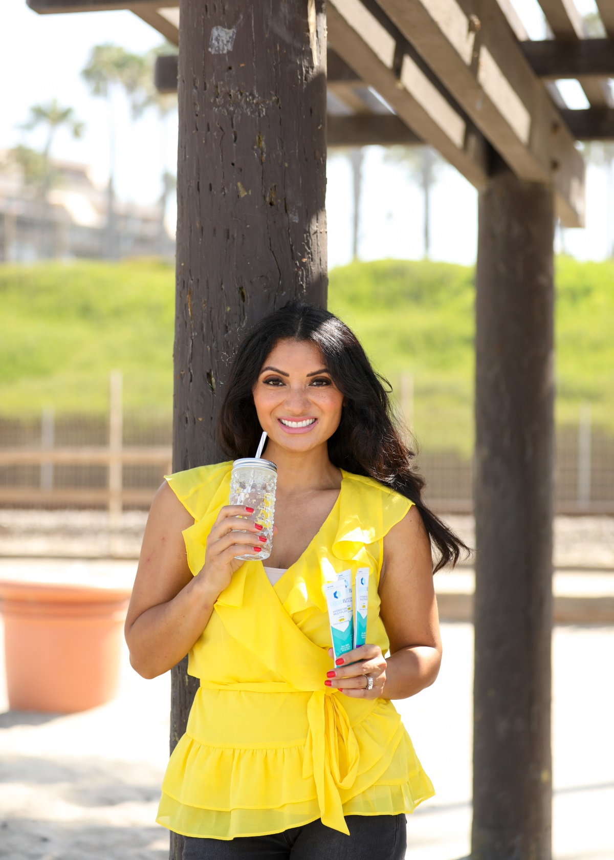 5 Benefits to Staying Hydrated | Liquid I.V. electrolyte drink mix | Orange County Fashion and Lifestyle Blog | Debbie Savage of To Thine Own Style Be True