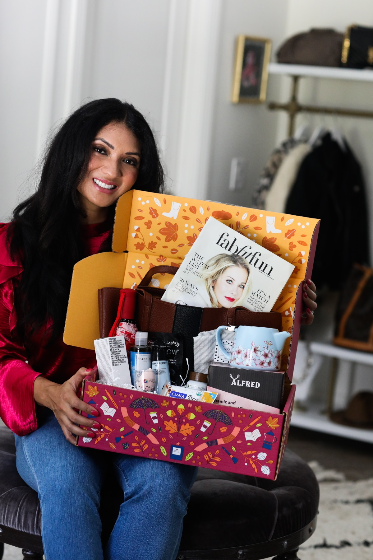 Life Hack: How to get $200+ worth of products for just $40 | FabFitFun Fall 2018 Subscription Box | Debbie Savage Orange County Lifestyle Blogger of To Thine Own Style Be True