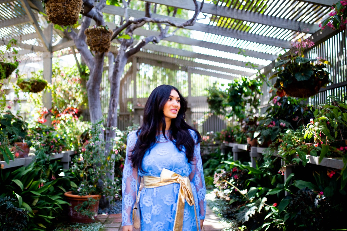 3 Alternative Ways to Shop for Clothes | Baby Blue Vintage Lace Dress | Debbie Savage Orange County Fashion Blogger of To Thine Own Style Be True