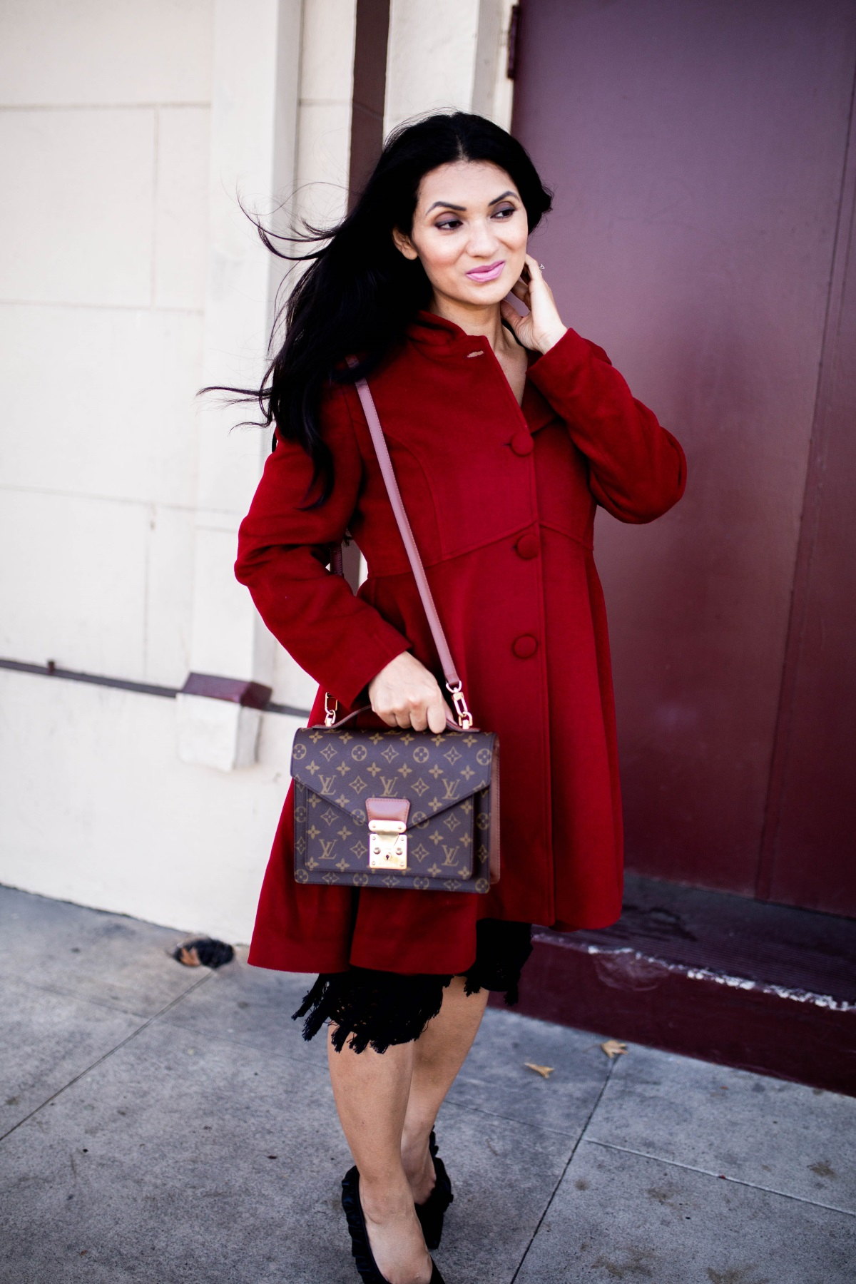 Looking for the perfect winter coat? Orange County Blogger Debbie Savage is sharing everything you need to know about the perfect hooded wool coat here!