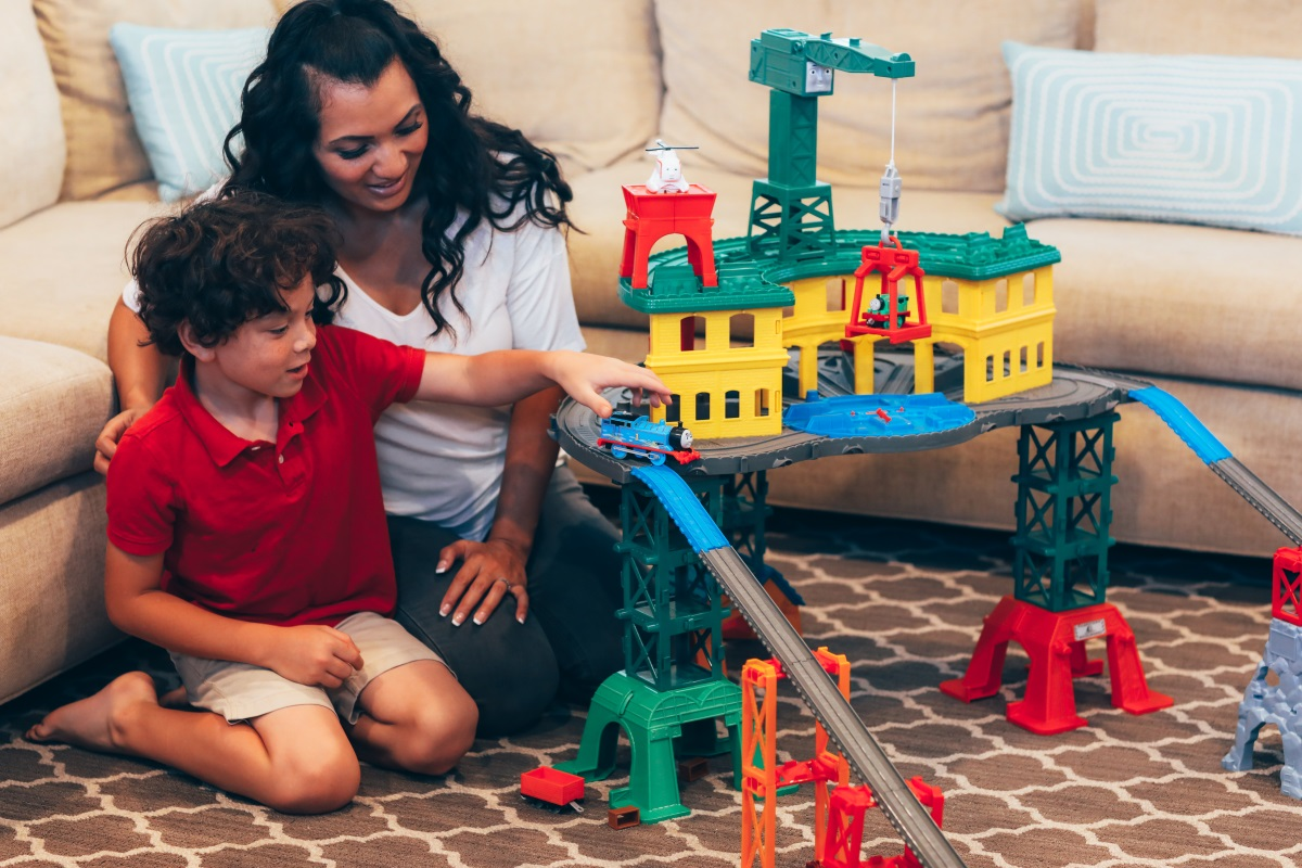 SAVE this post ASAP! Orange County Blogger Debbie Savage is sharing her top gift giving ideas for this holiday season featuring Thomas & Friends!
