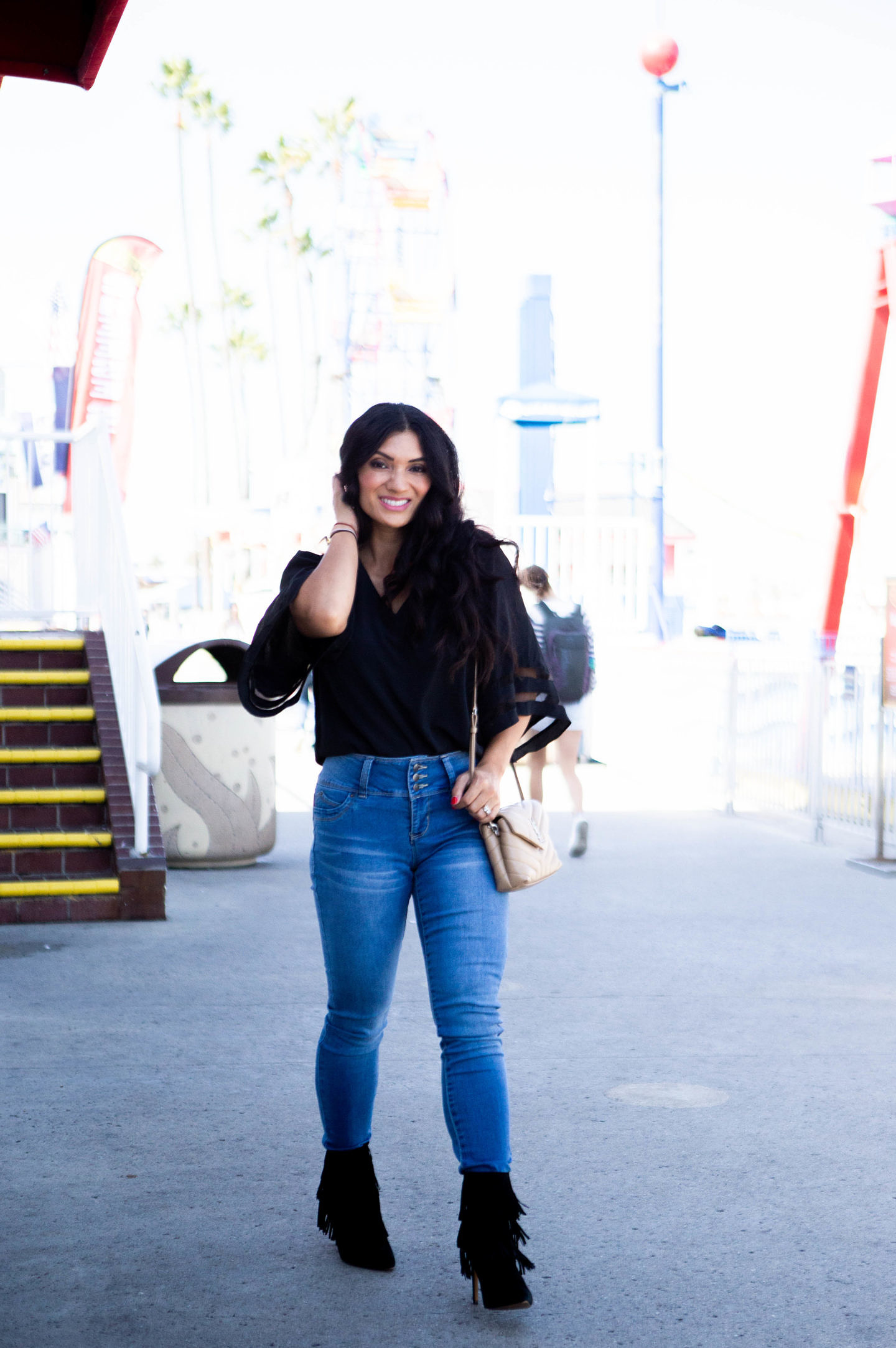 Looking for the perfect pair of skinny jeans? Orange County Blogger Debbie Savage is sharing her favorite pair of skinny jeans that any woman should own ASAP! See them here!