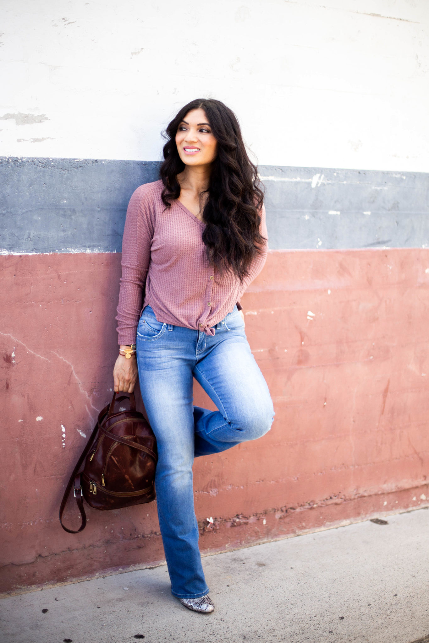 Looking for the best bootcut jeans? Bookmark this post ASAP as Orange County Blogger Debbie Savage shares her latest favorite mid-rise bootcut jeans! Click to see them here!