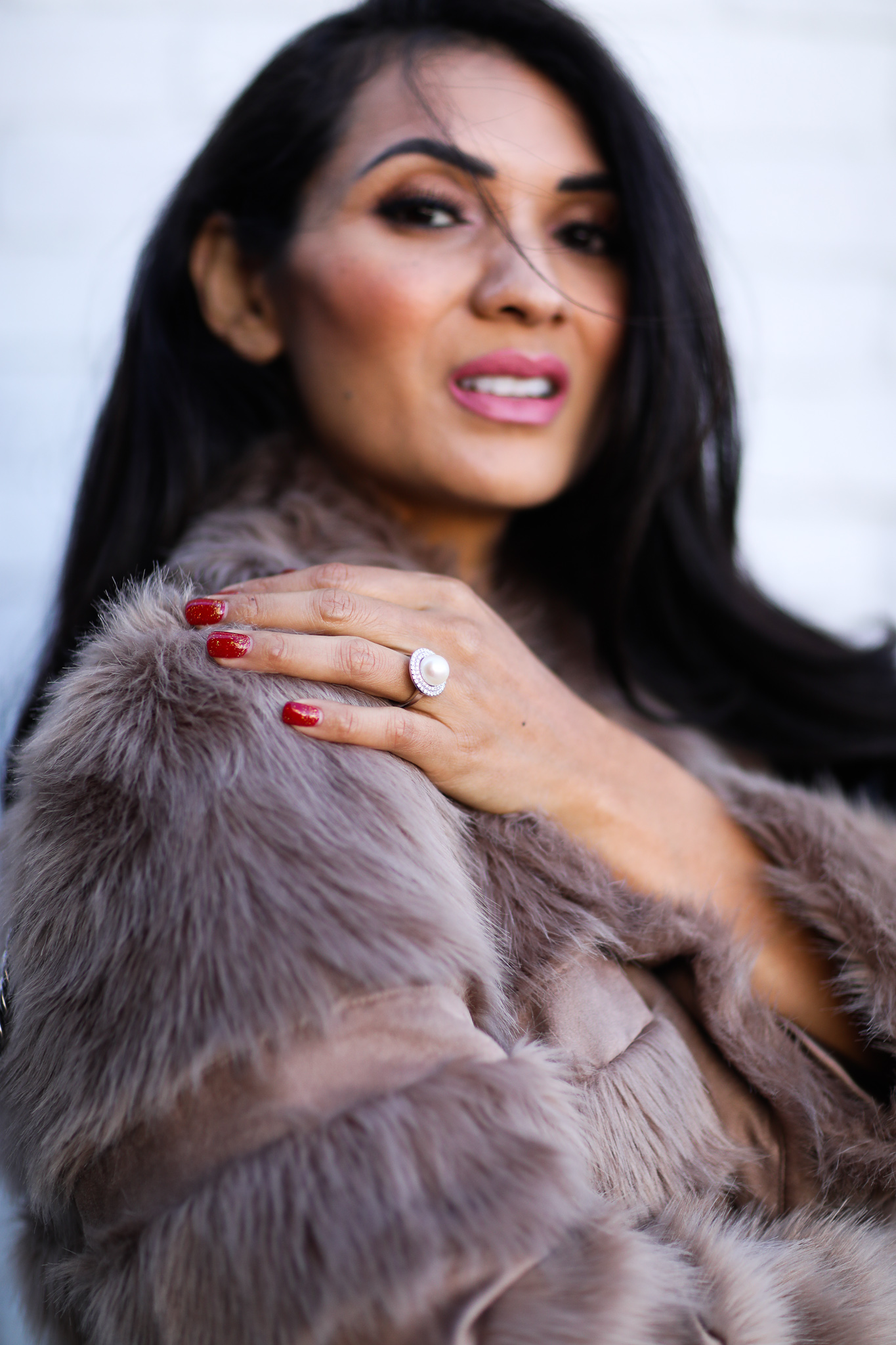 Give the gift of dazzle this holiday season with a custom ring from Angara.com. Keep reading to see why Orange County Blogger Debbie Savage is loving her custom ring and why its the perfect gift this holiday season.