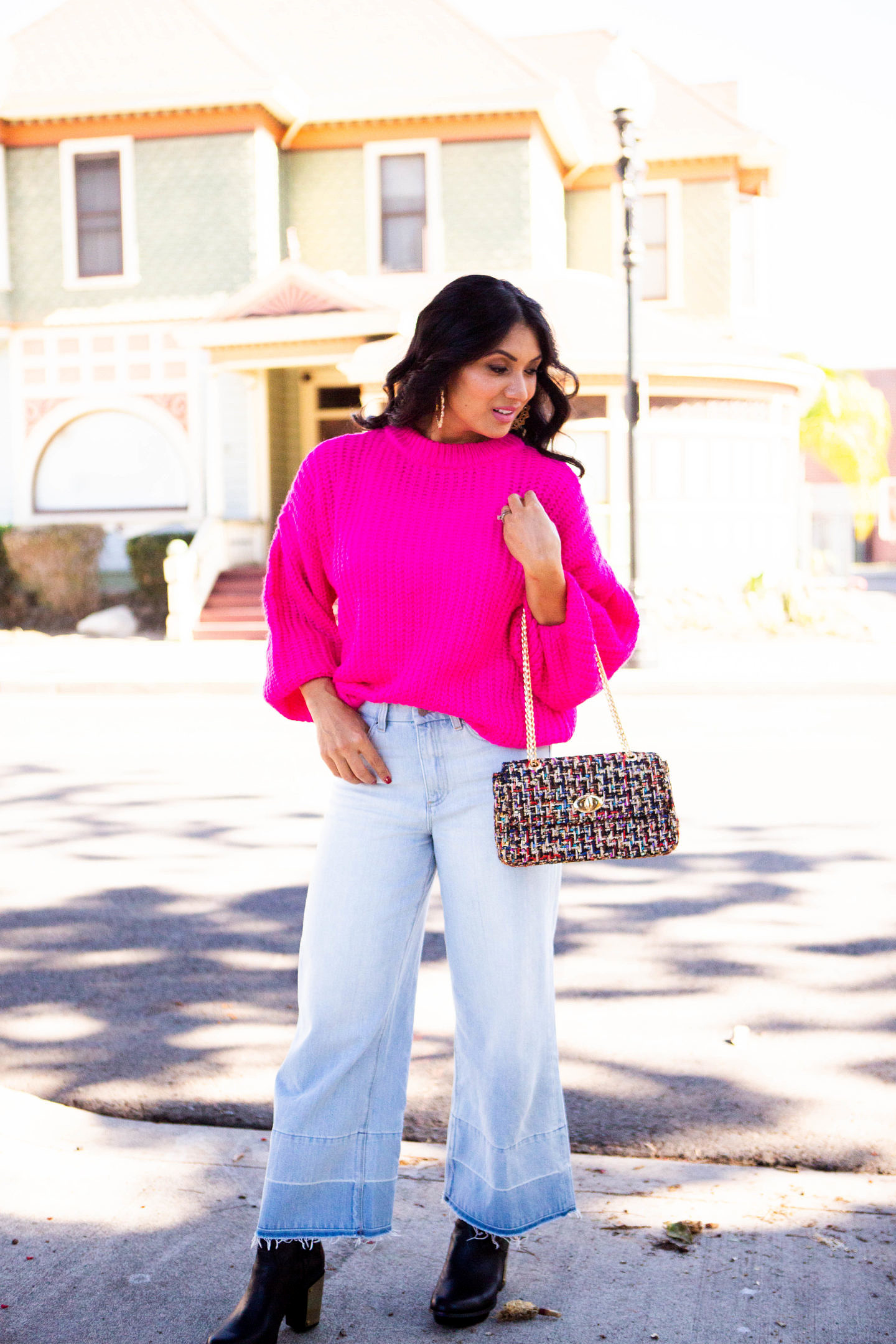 Curious how to rock a hot pink sweater this fall/winter? Orange County Blogger Debbie Savage is sharing why you need to grab a hot pink sweater ASAP here!