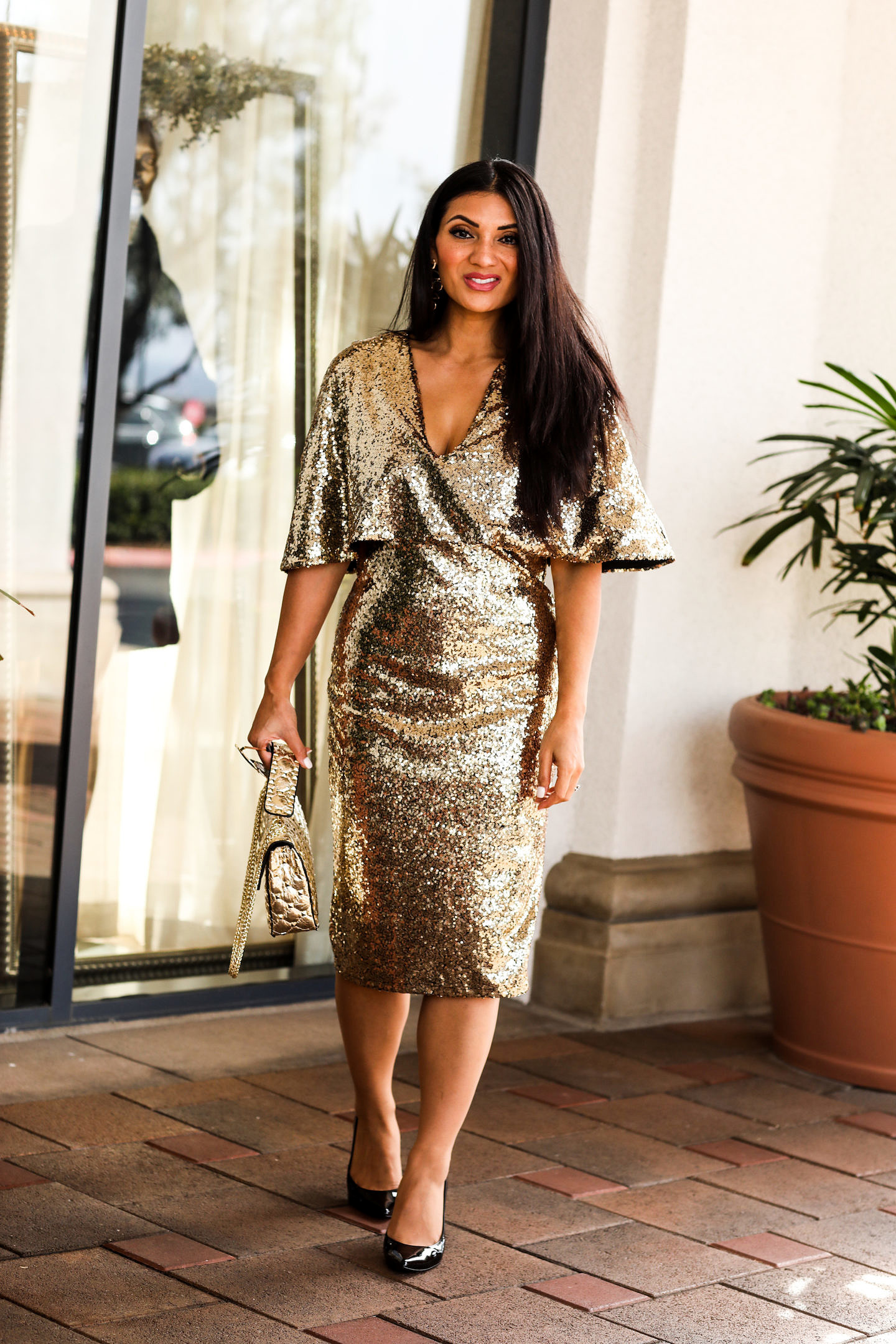 Looking for the perfect New Year's Eve Outfit? Orange County Blogger Debbie Savage is sharing her top New Year's Eve Outfit Ideas here!