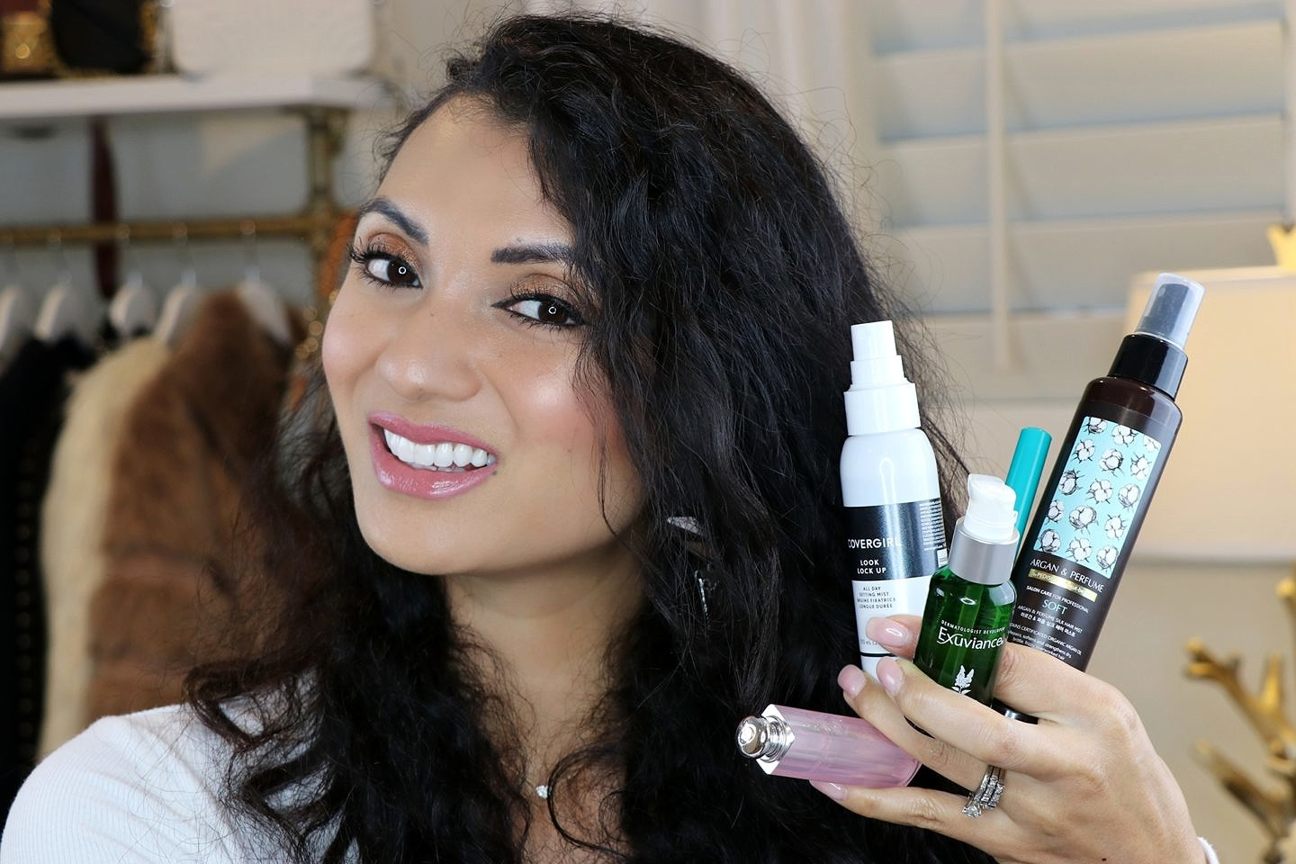 Curious what beauty must haves you need? Orange County Blogger Debbie Savage is sharing her top 5 beauty must haves in her YouTube video. Click NOW to see them HERE!