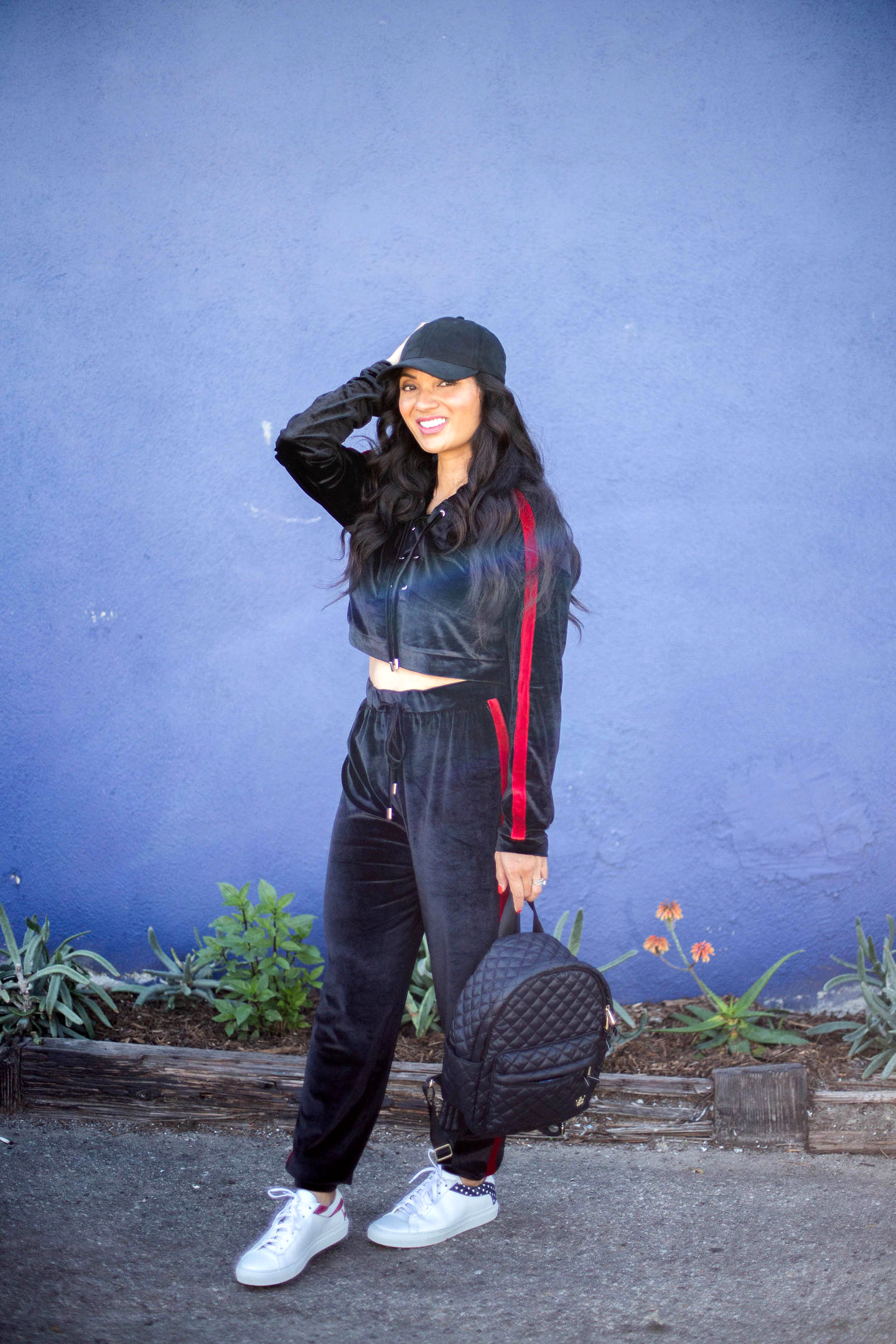 Click here ASAP if you want to style a tracksuit like a pro! Orange County Blogger Debbie Savage is sharing how to style a tracksuit with her tips on tracksuit style.