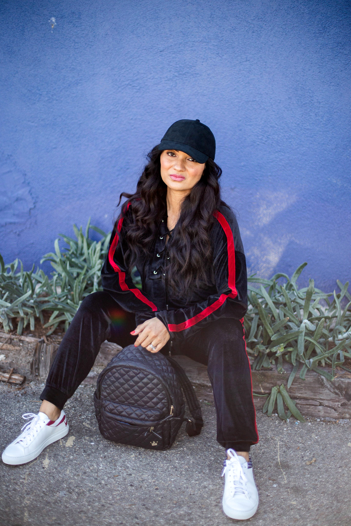 Curious how to style a track suit this season? Orange County Blogger Debbie Savage is sharing her favorite way to style a track suit like a pro. Click to see how HERE!