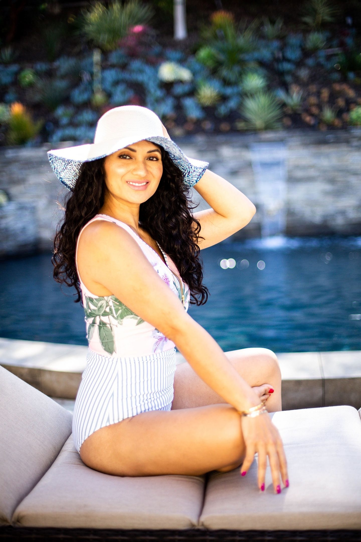 Looking for the perfect one piece swimsuit? Orange County Blogger Debbie Savage is sharing why a Albion Fit One-Piece Swimsuit is the the best.  Click HERE to see why you need one ASAP!