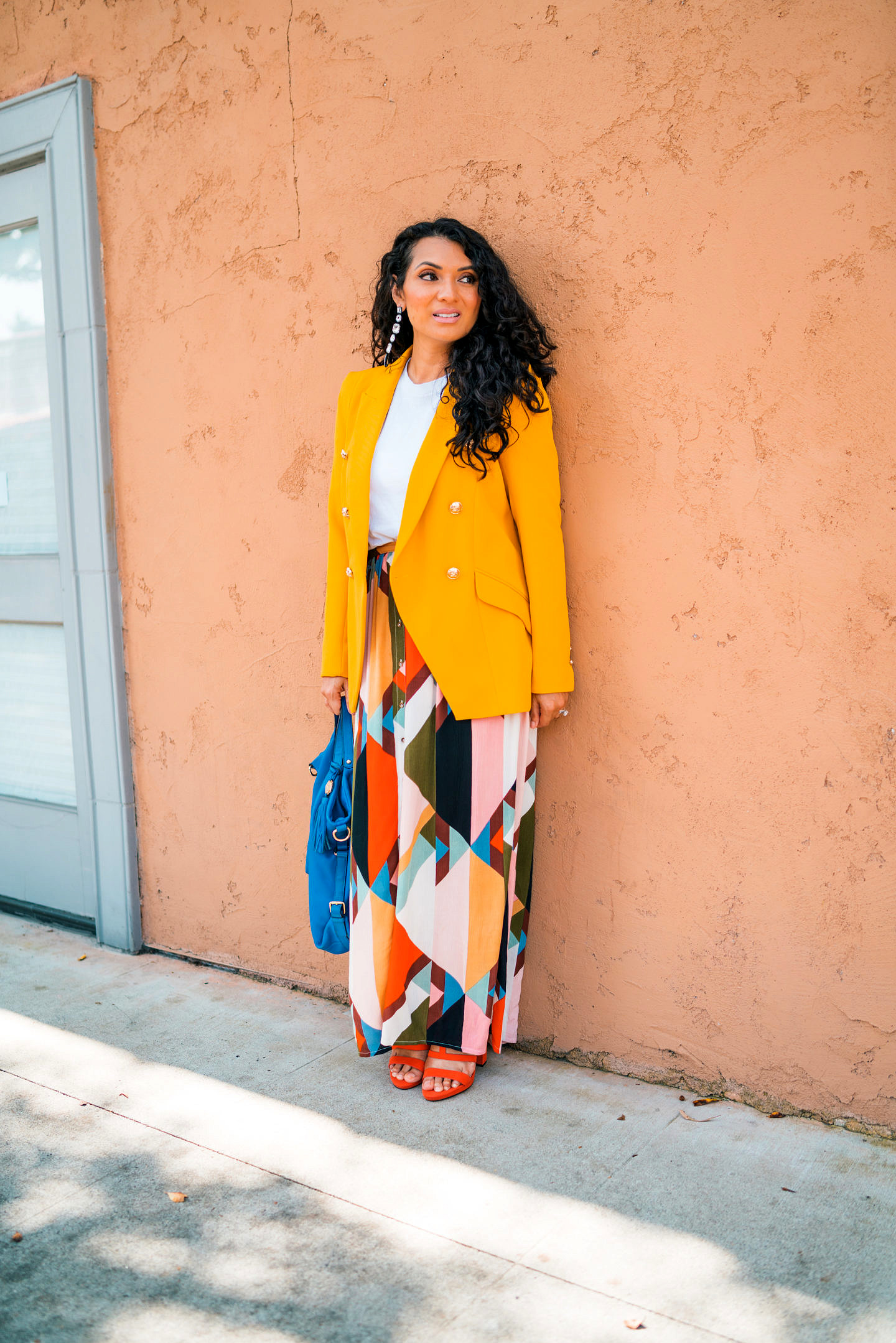 Curious how to style a yellow blazer this Spring? Orange County Blogger Debbie Savage is sharing her favorite way to style a yellow blazer this spring. See how HERE!