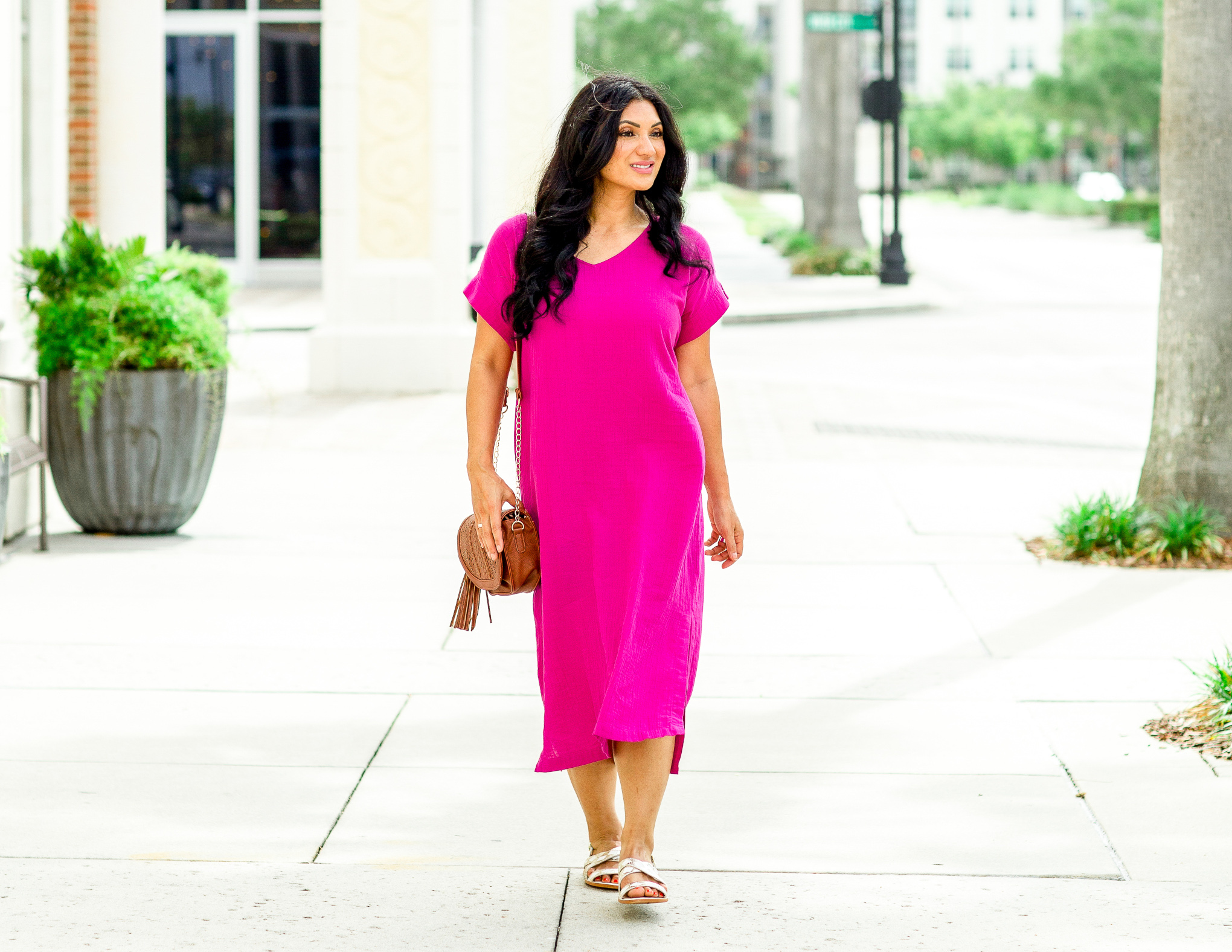 Curious why you need a cotton gauze dress this summer? Orange County Blogger Debbie Savage is sharing why a cotton gauze dress is perfect for the summer! Click to see why!