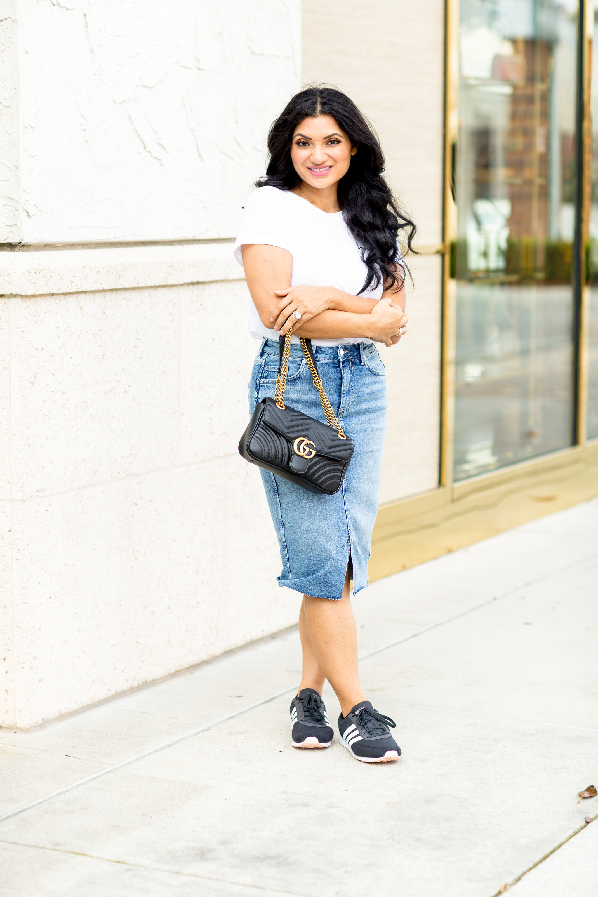 Need the perfect everyday outfit? Orange County Blogger Debbie Savage is sharing her favorite everyday outfit here!