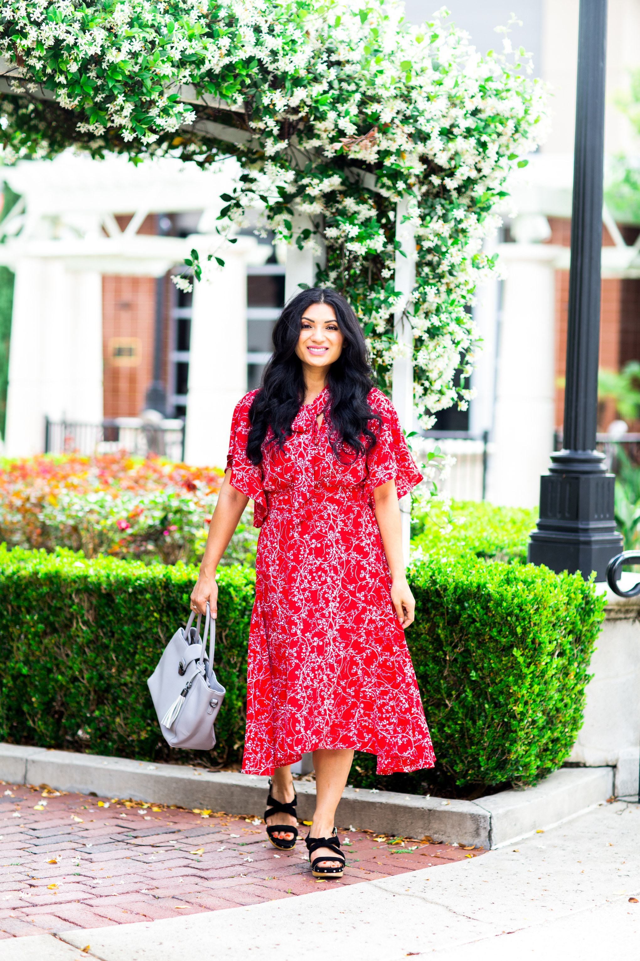 Looking for the perfect maxi dress this summer? Orange County Blogger Debbie Savage is sharing her favorite maxi dress from Max Studio here!