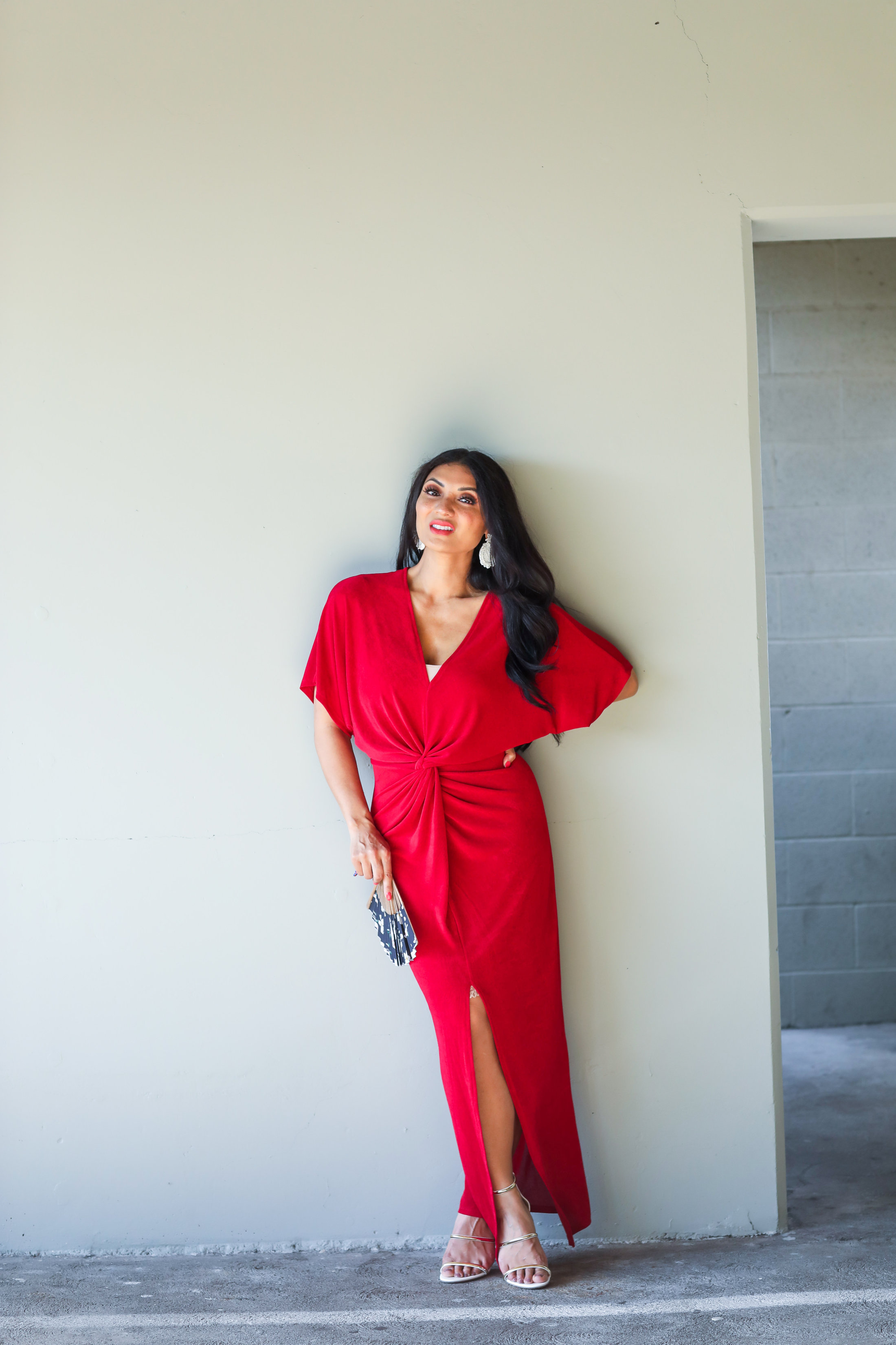 Looking for the perfect dress? Orange County Blogger Debbie Savage is sharing the one dress you need on Amazon ASAP! See it HERE!