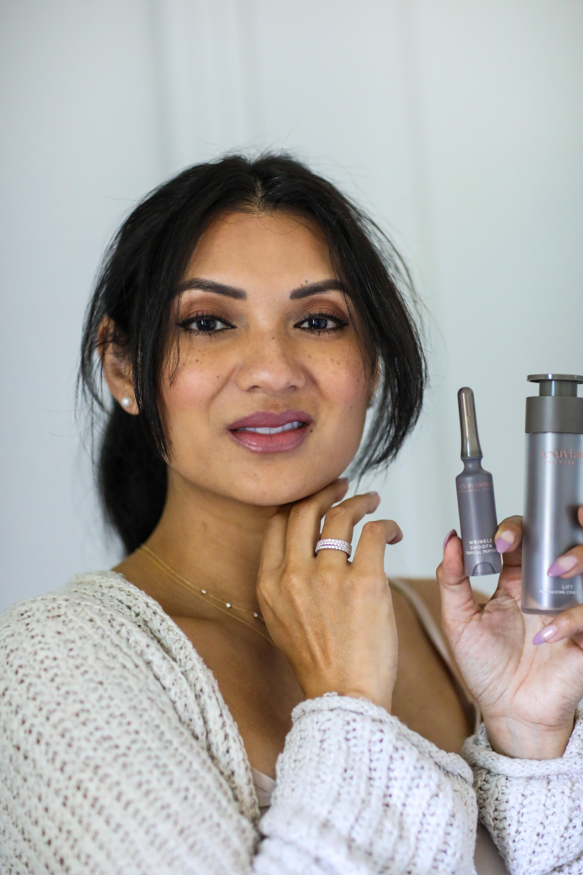 Looking for the perfect anti-aging skincare routine? Orange County Blogger Debbe Savage is sharing her favorite anti-aging skincare routine here!