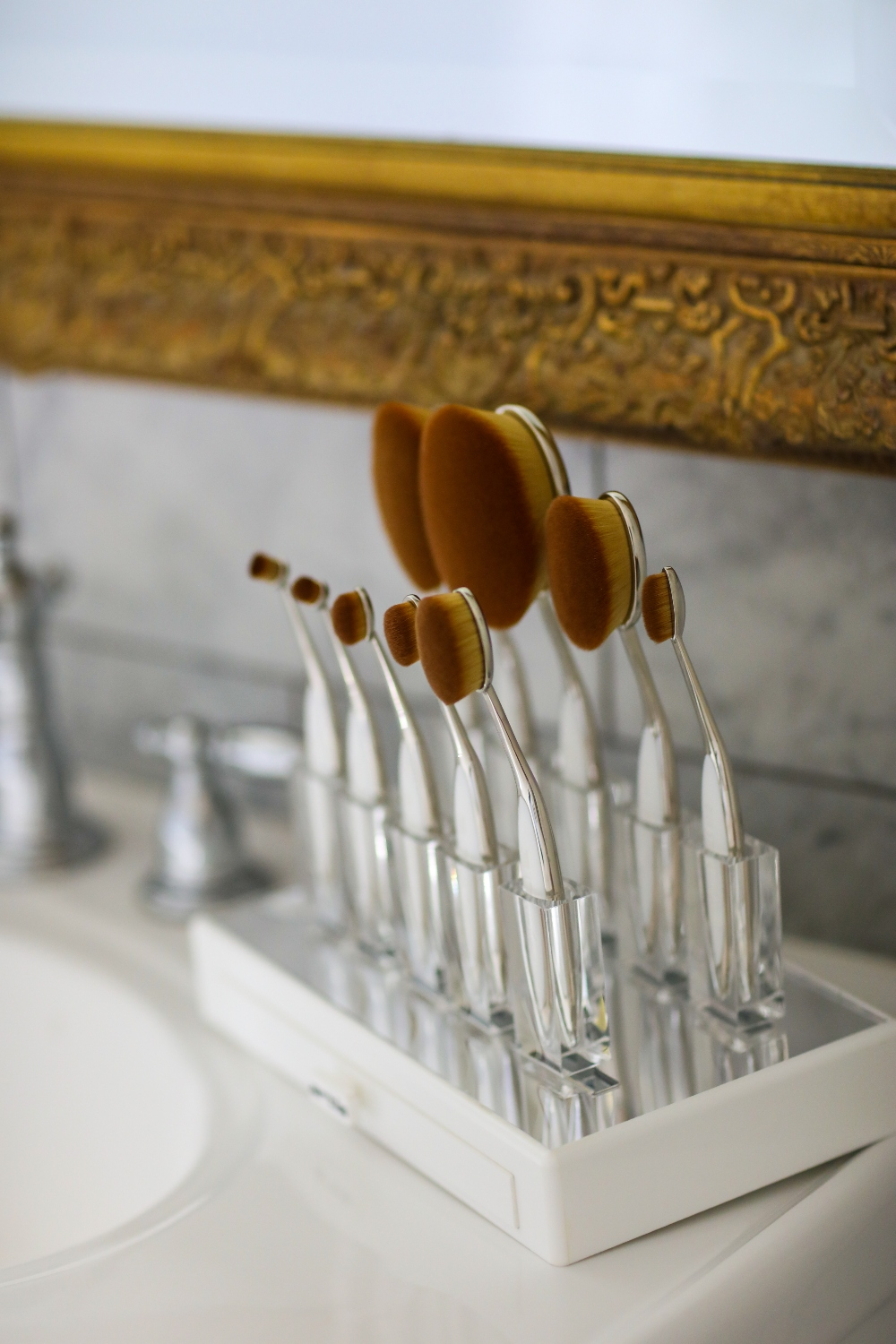 Looking for the best makeup brushes? Try Artis Brushes! Orange County Blogger Debbie Savage is sharing why these are the best makeup brushes HERE!
