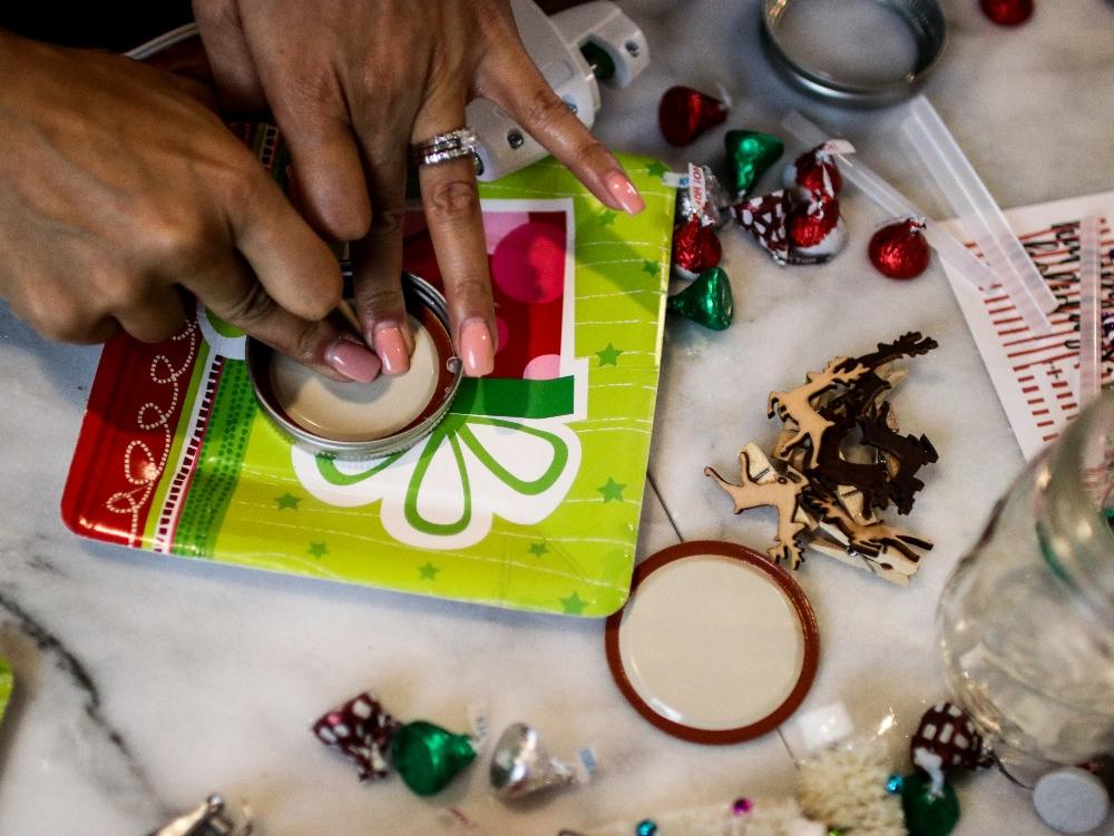 3 Ways To Give Back This Holiday Season + Fun Crafts with Kids - DIY Holiday Mason Jar Gifts
