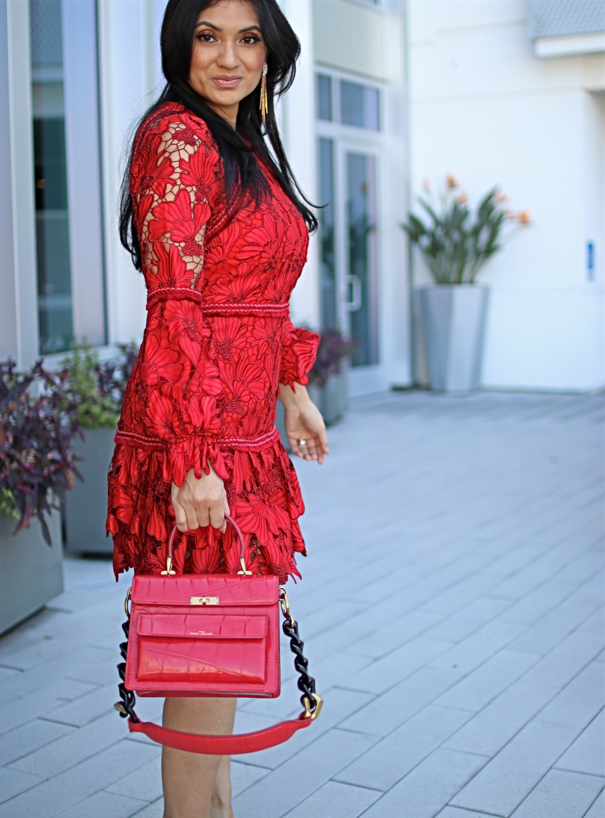 Looking for the perfect Valentine's Day dress? Orange County Lifestyle Blogger Debbie Savage is sharing her favorite Valentine's Day dresses. Click to see them HERE!