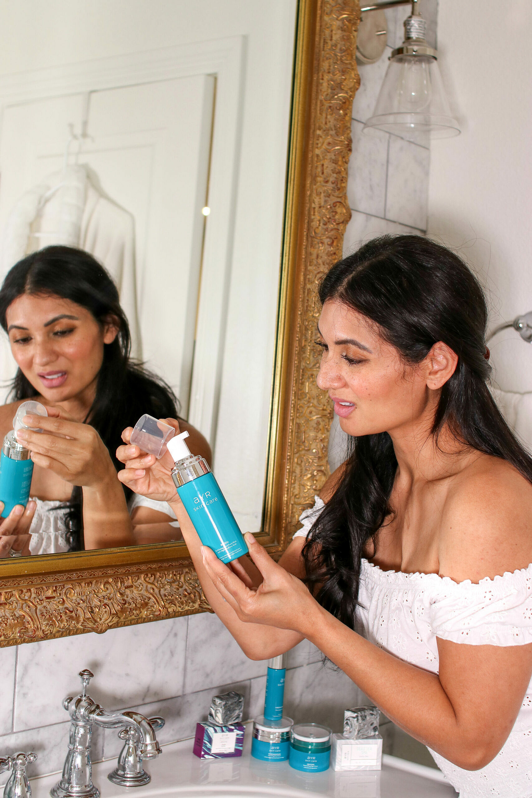 Reveal Gentle Exfoliating Foam Facial Wash with Alpha Hydroxy Acids