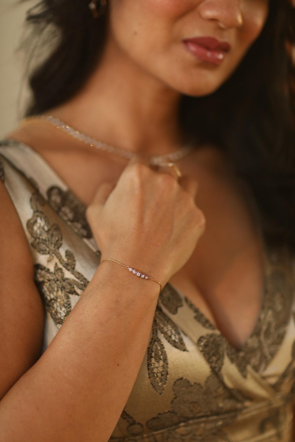 Natori x Angara Hexagonal Frame 5 Bezel Set Diamond Indochine Journey Bracelet