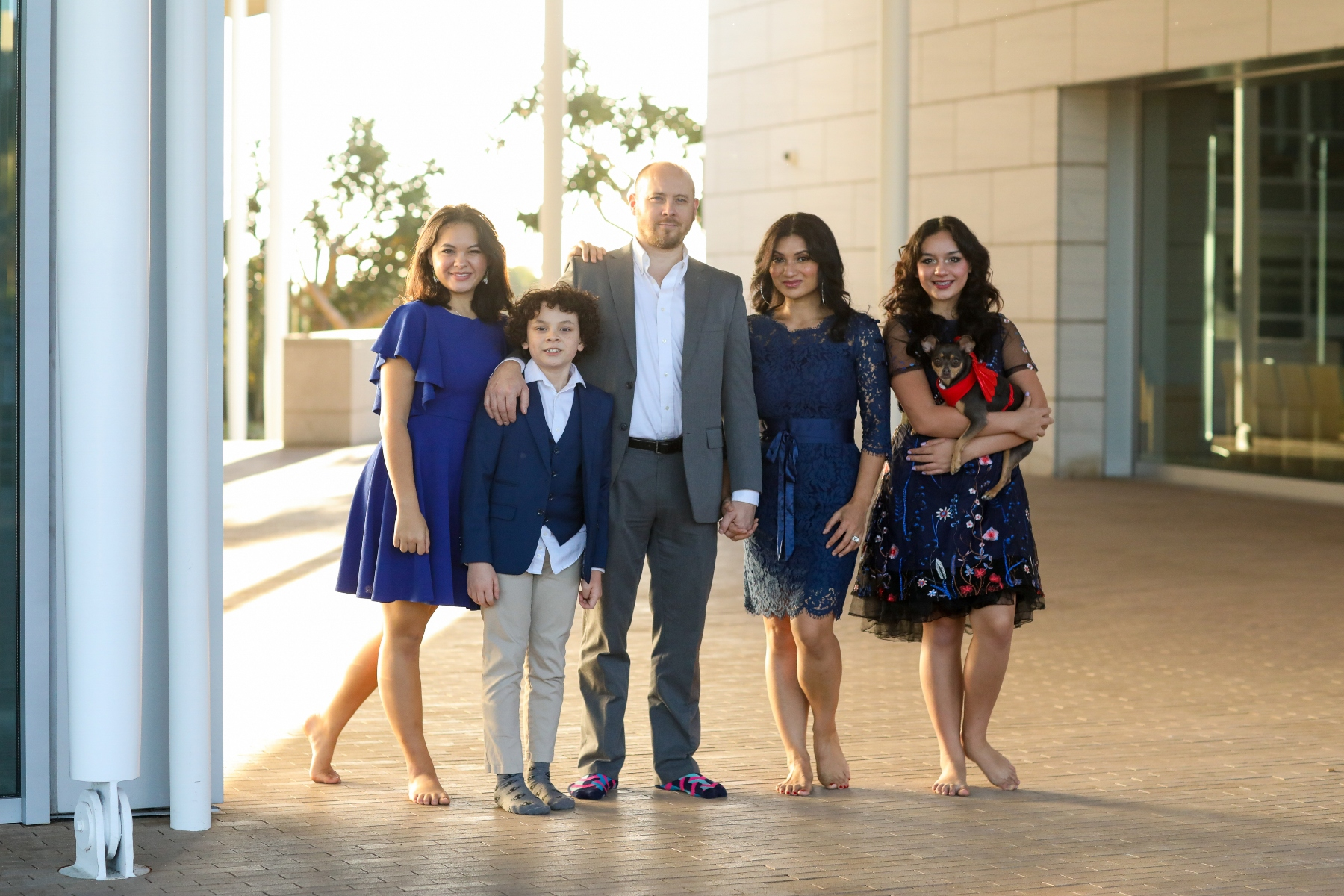 Tips for a Stress-Free Family Photo Shoot _ Navy Color Family Holiday Card