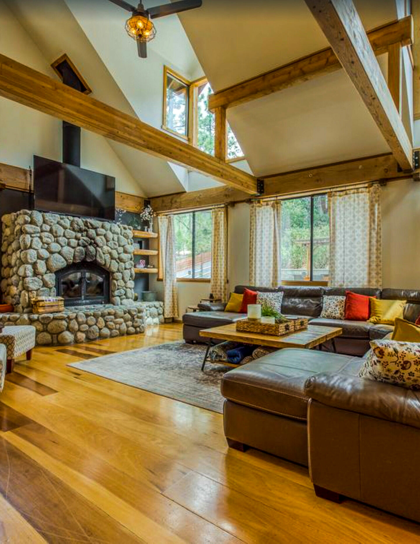 Book your summer vacation with Vrbo: Idyllwild, California